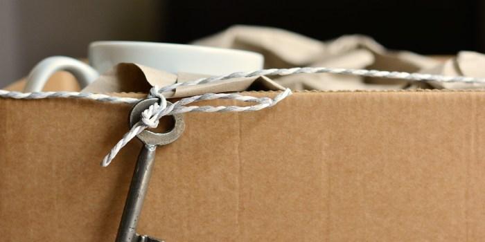 scatolone con chiave per traslochi