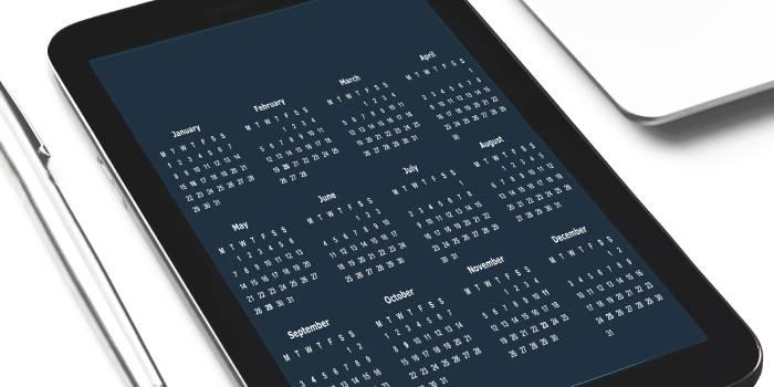 calendario con tutti i mesi e i giorni