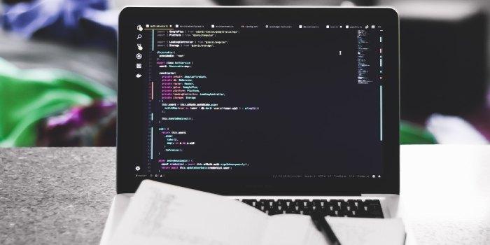 computer con schermata javascript