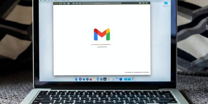 schermata computer con accesso a gmail