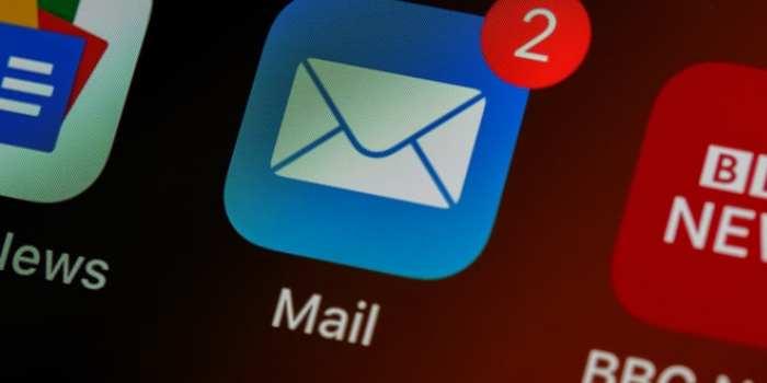 email con notifica in primo piano